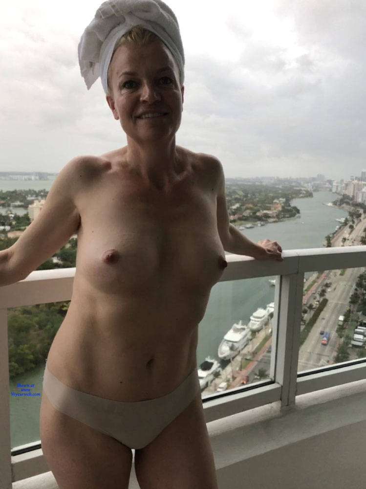 naked amateur milf pictures
