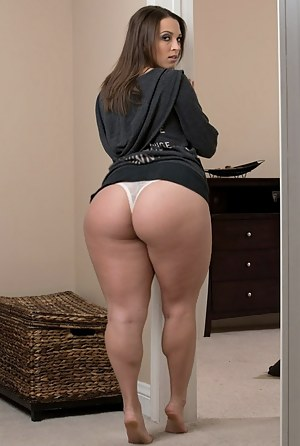 Young big booty pornstars naked